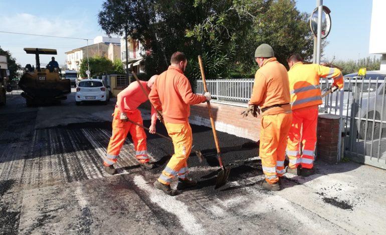 Manutenzioni, asfaltature per ripristino manto stradale