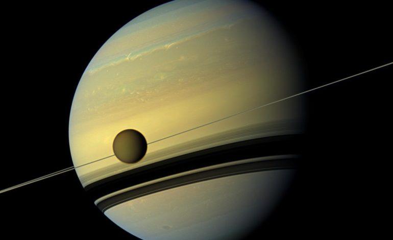 Evoluzione dell'obliquità di Giove e Saturno causata dalla rapida migrazione dei loro satelliti