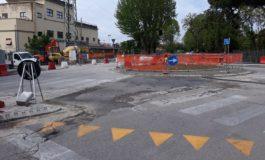 Lavori in corso, domani si asfalta la rotatoria tra viale D'Annunzio e Ponte del Cep
