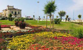 Il litorale cambia volto, inaugurata piazza Gorgona a Marina di Pisa